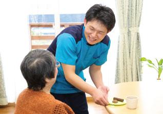 子育て中の方も活躍中!!産休・育休制度あり♪明るい職場◎パートの介護職員を募集します!